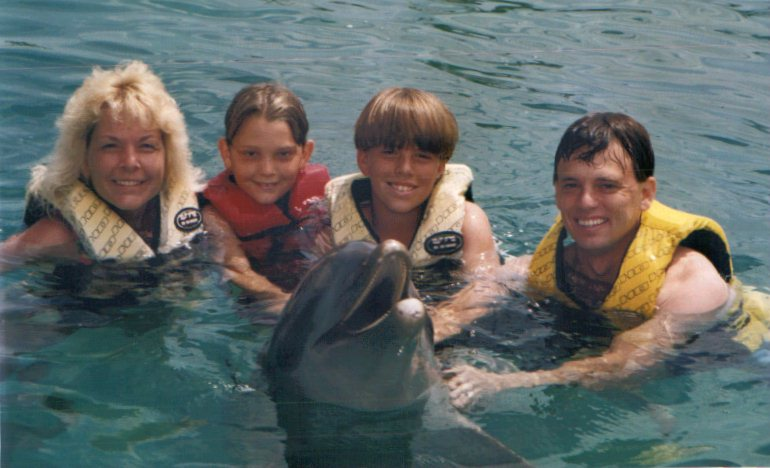 The Pagoria Clan with Flipper